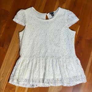 new directions Tops - New Directions White Lace Peplum Cap Sleeve Top
